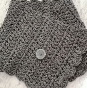 Accessories - Handmade crochet cowl